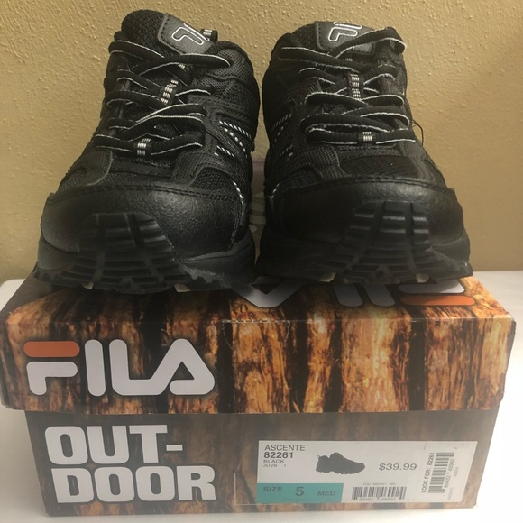 New Fila Black Hiking Sneakers Youth BYS Size 5 NWT